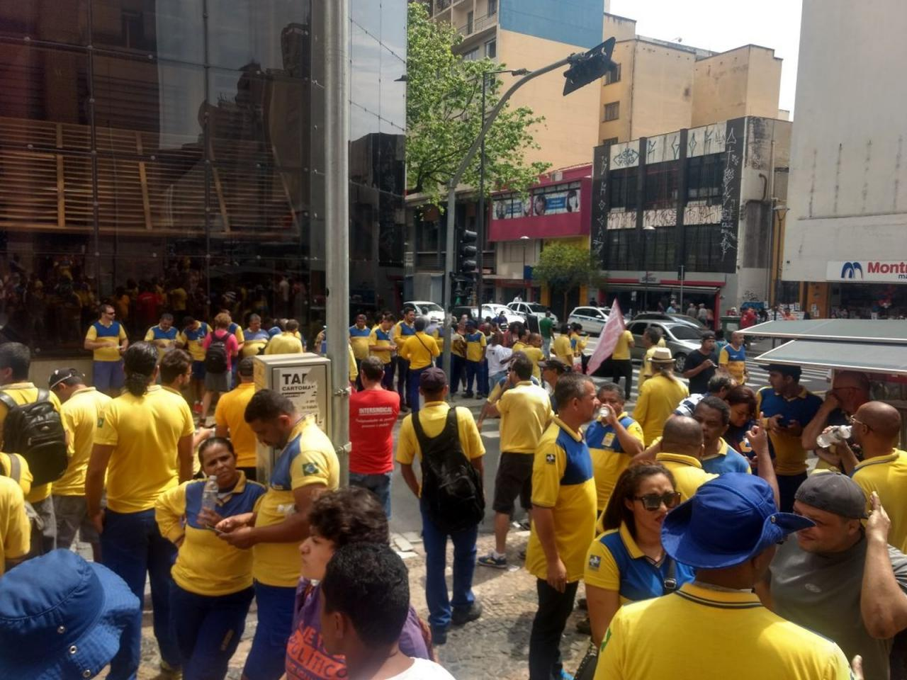 Em meio a greve, Correios faz novo mutirão para colocar entregas em dia