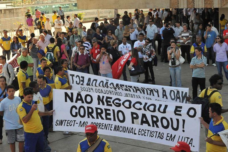 Funcionários dos Correios entram em greve em 18 Estados e DF