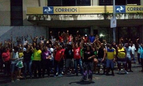 Funcionários decidem encerrar greve dos Correios na Bahia
