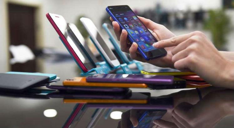 Anatel passa a cobrar R$ 200 de taxa sobre produtos importados