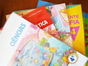 comprar livros material escolar