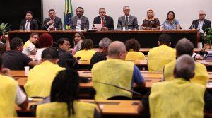 Frente Parlamentar em defesa dos Correios reafirma compromisso com trabalhadores